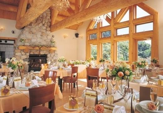 ガーデンレストラン&ウェディング メープルヒル