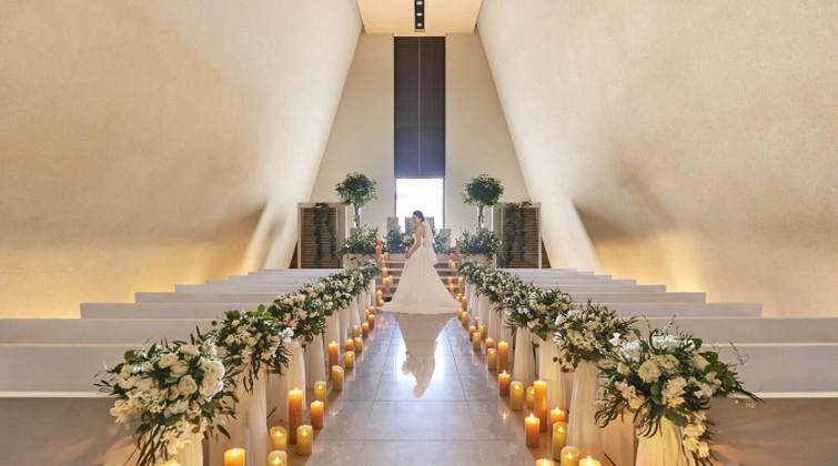 544e360060f3f 水の音が響き渡る幻想的な結婚式自由度の高いパーティーが実現します